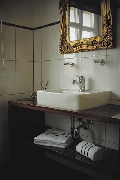 hotel landhaus badezimmer